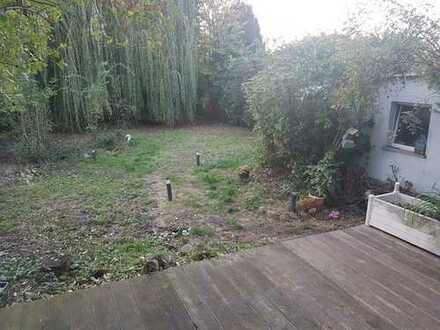 Kleines Haus mit großem Garten, Kamin und Whirlpool