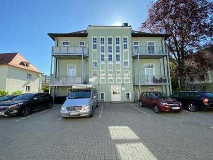 EXKLUSIVE 5 Raumwohnung mit 2 Balkonen, 2 Bädern, in sanierter Villa