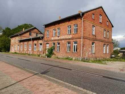 Wunderbares Mehrfamilienhaus mit vielen Zimmern in Mecklenburg-Strelitz (Kreis), Friedland