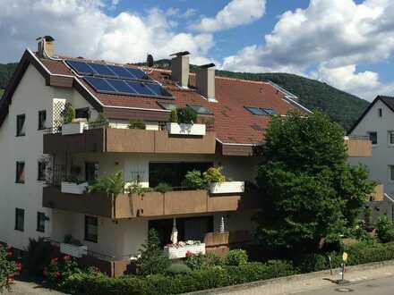 Gepflegte 4,5 Zimmer-Wohnung mit SW-Balkon, EBK, Gäste-WC und TG-Stellplatz in Schriesheim