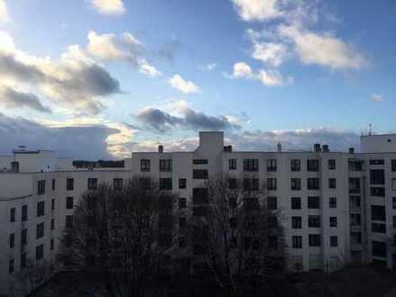 Über den Dächern Münchens: Wunderschöne 1-Zimmer-DG-Wohnung mit Balkon (von privat!)