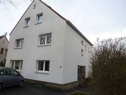 Freundliche Dachgeschosswohnung ohne Balkon im 3-Familienhaus zu vermieten!