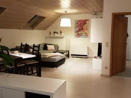 Attraktive 2-Raum-Dachgeschosswohnung mit EBK und Balkon in Leutenbach