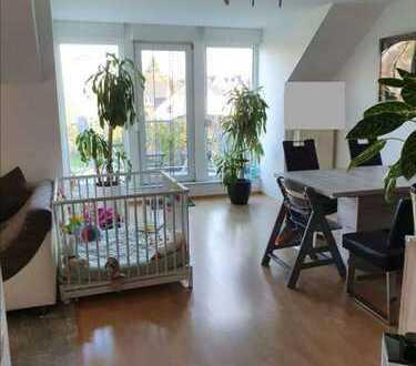 helle 3- Zi Maisonnette Wohnung mit Balkon und Tiefgarage