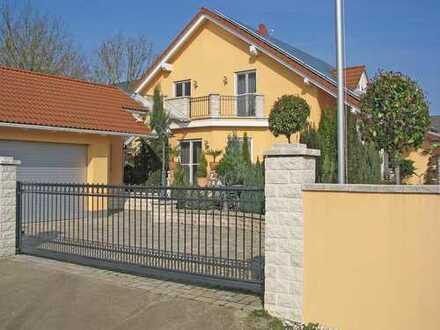 Schönes, geräumiges Haus mit mediterranem Flair in Groß-Gerau/Dornheim