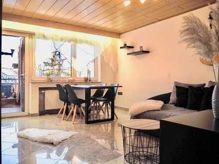 Exklusive, vollständig renovierte 4-Zimmer-Wohnung mit Aufzug, Balkon und Einbauküche in Marbach