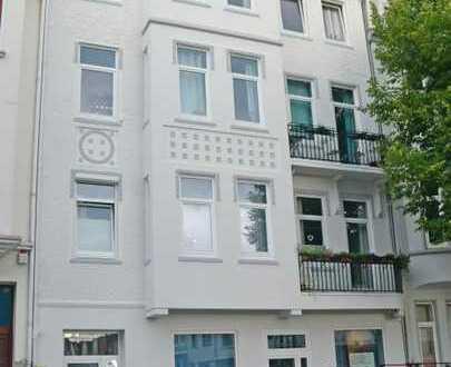 Schöne renovierte 2-Zi-Eigentumswohnung im 2. OG in bevorzugter Lage in der Bremer Neustadt (Flüs...