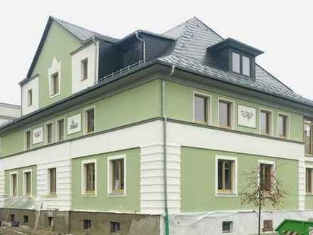 Altbauvilla erstrahlt in neuem Glanz - 3-Raum-Wohnung frei