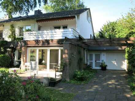 VERKAUF GEGEN GEBOT: Einfamilienhaus mit Garage in Lindenthal - bezugsfrei!