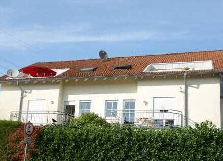 Helle 2 Zi.-Dachgeschosswohnung mit Sonnenbalkon!