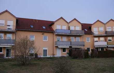 Helle 3-Zimmer Erdgeschoßwohnung mit Terrasse in Pfeimd