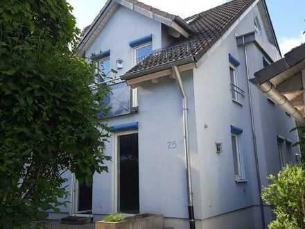 6-Zimmer-Doppelhaushälfte mit EBK in Mainhardt-Hütten