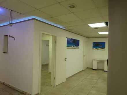 ++Ludwigsvorstadt+Super-Lage U3 Goetheplatz+ 3 Räume im Untergeschoss/Küche/WC / Lift