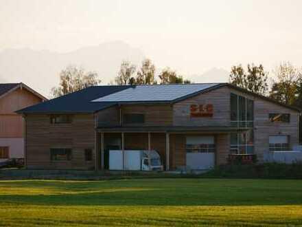 Gewerbehalle, Lagerfläche, Büroräume, Neubau in Ascholding, hell, repräsentativ