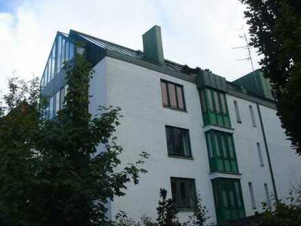 + KAPITALANLAGE + NYMPHENBURG + Schöne 2-Zimmer-Wohnung mit Balkon & Parkett direkt am Schlosspark +