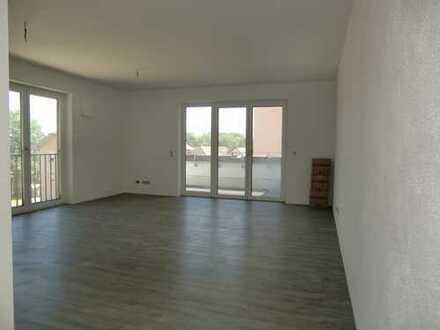 *Erstbezug* Anspruchsvolle 3-Zimmer-Wohnung mit zwei Terrassenbalkone u. Bergblick (optional mit EBK
