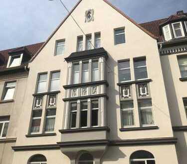 Renovierte 3 Zimmer Whg. mit Balkon zum Hinterhof