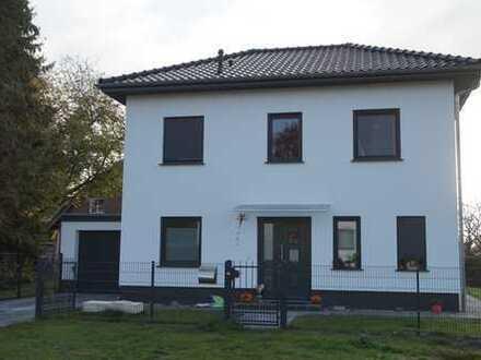Neuwertig! exklusive Stadtvilla mit Garage in Falkensee