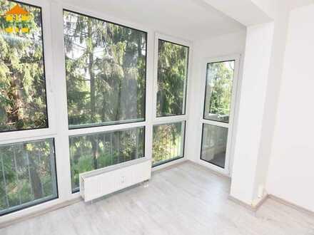 Frisch renovierte 3-Raum-Wohnung mit Balkon & Einbauküche in beliebter Wohnlage!