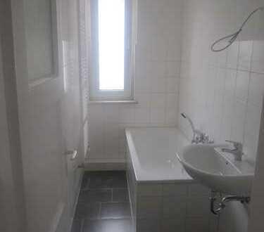 Schöne, gepflegte 3-Zimmer Wohnung mit 2 Bädern zu vermieten!