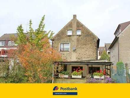 Omas Häuschen mit großem Garten, 2 Garagen und Werkstatt in Dortmund Eichlinghofen