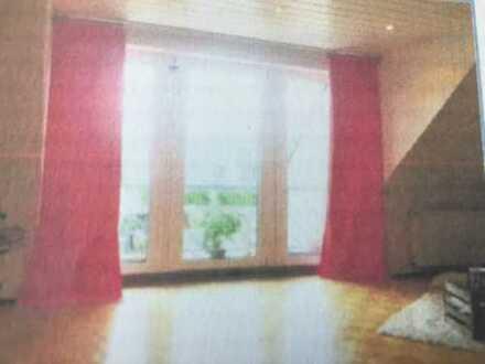 ...wunderschöne, helle und großräumige Wohnung...