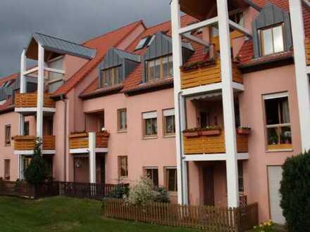 Sehr geräumige 3,5-Zi-Wohnung mit Balkon und Carport