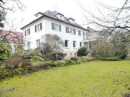 Großzügiges, freistehendes Einfamilienhaus *Altbau* mit Charme&wunderbarem Garten ab 1. August