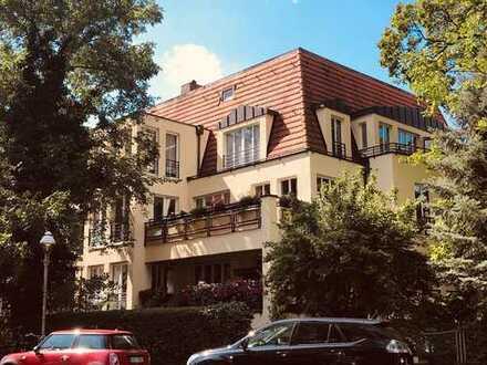 Exzellente Dachgeschoss-Maisonnette in Westend