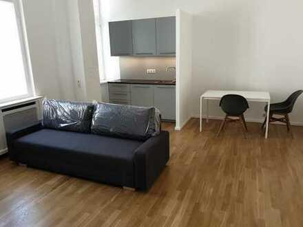 saniertes 1-Zimmer-Apartment in bester Berliner Lage *teilweise möbliert*