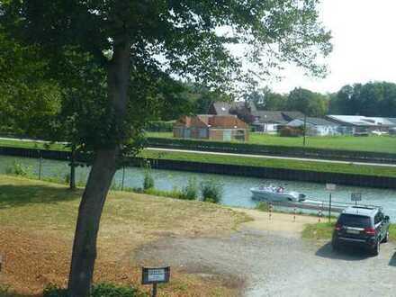 Henrichenburg! 3,5 Zimmer-Wohnung im 1. OG mit eigenem Garten mit Blick auf den Kanal.