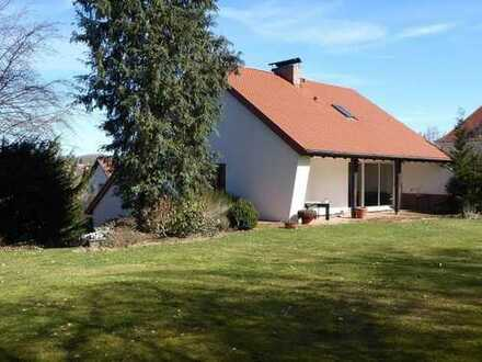 Exklusives Wohnhaus mit großzügigem Grundstück in einer sehr schönen Wohnlage von Selb