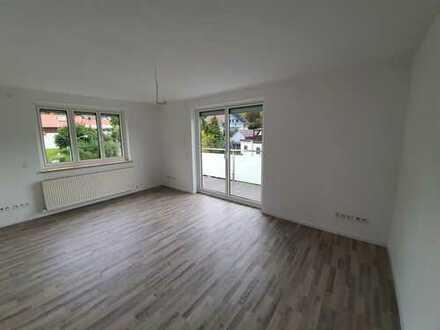 helle 5-Zimmer-Wohnung mit Balkon und Garten in Deggendorf
