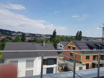 In Pforzheim: Moderne Wohnung im rodgebit mit vier Zimmern und Tarrase