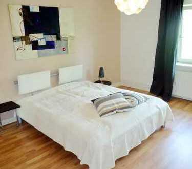 Modern möblierte 2-Zimmer Wohnung / Süd-Balkon/ Internet/ Inklusivmiete 1.320,00 € / ab 01.0.1.2021