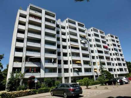 Vermietet! - 3 Zimmer + 3 Balkone + 4. OG = Großzügige, schöne Wohnung in luftiger Höhe