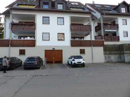Gepflegte 3,5-Zimmer-Erdgeschosswohnung mit Balkon und EBK in Bobingen