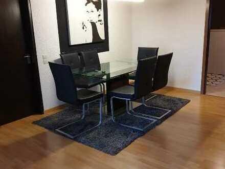 Modernisierte 4,5-Raum-Wohnung mit Balkon und Einbauküche in Weissach-In den Heiligenwiesen