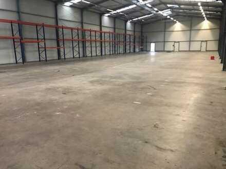 Lager-/ Produktionsfläche mit kleinem Büroraum zu vermieten