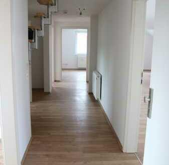 Ansprechende 4-Zimmer-Wohnung mit Balkon und Kamin in Braunschweig-Waggum