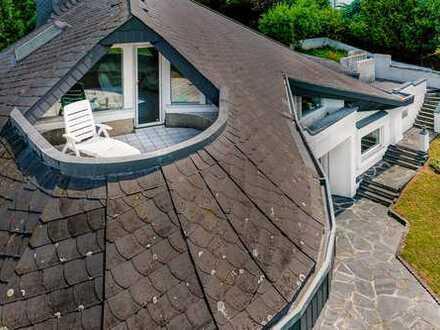 Freistehendes Einfamilienhaus mit Doppelgarage