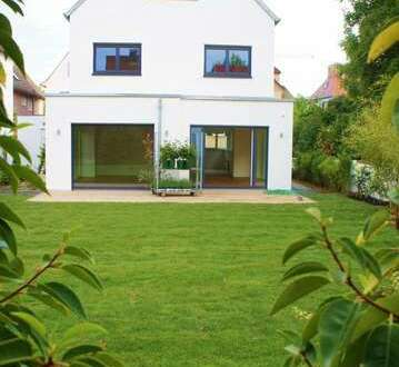 Großartiges, modernes Einfamilienhaus mit exklusiver Ausstattung in ruhiger Lage zum 1. Juli