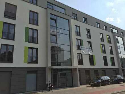 Neuwertige großzügige 3- Zimmer-Wohnung mit sonnigem Balkon