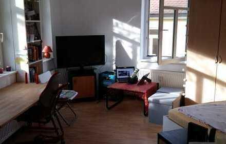 Helle 1-Zimmer-Wohnung im Zentrum Erlangens
