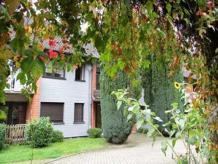 Gemütliche Seniorenwohnung mit zwei Balkonen und Blick auf die Agger *WBS notwendig*