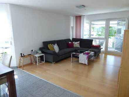 Helle 3 1/2 Zimmerwohnung, I. OG, Balkon, EBK, TG, Hausmeisterservice
