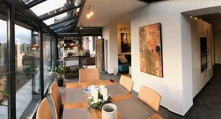 Stilvolle, neuwertige und 2,5-Zimmer-Terrassenwohnung und EBK in Eisingen