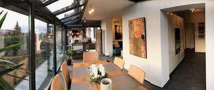 Stilvolle, neuwertige und voll möblierte 2,5-Zimmer-Terrassenwohnung und EBK in Eisingen
