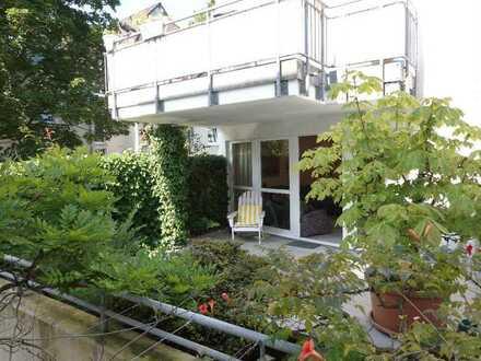Schöne ca. 83 m² große Erdgeschosswohnung mit großer Terrasse, Tageslichtbad u