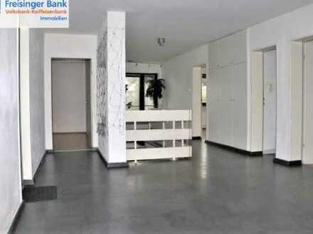 Viel Platz für Ihre Arbeiter - großes Architektenhaus mit vielen Zimmern und großem Grundstück